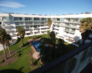 Newly renovated apartment, 90m2, for sale in Roses Costa Brava, at 150m from the beach - 125.000 Euros -